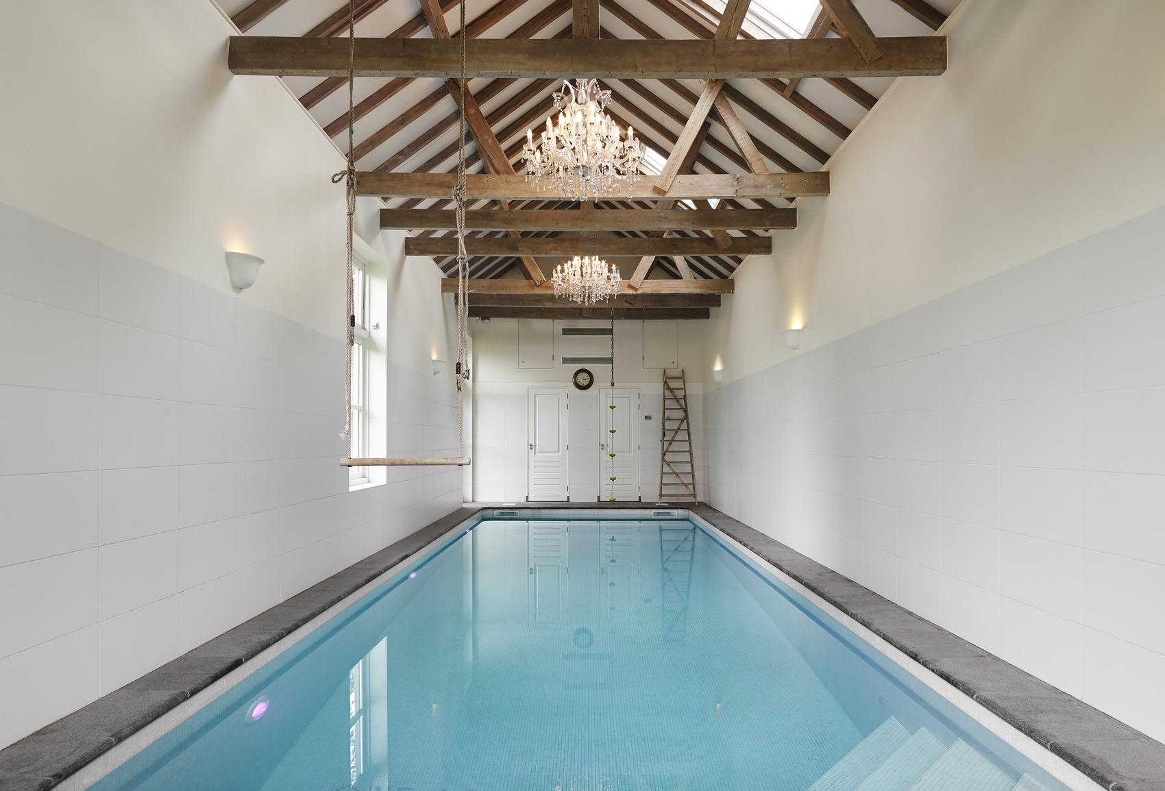 Betegeld bouwkundig zwembad