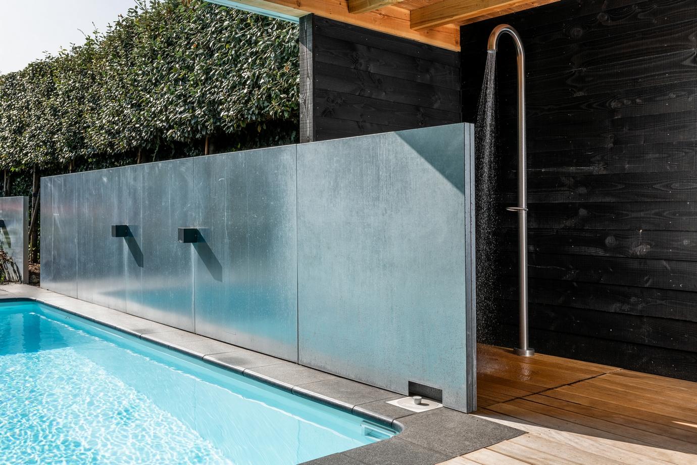 JEE-O douche met maatwerk inbouw zwembad