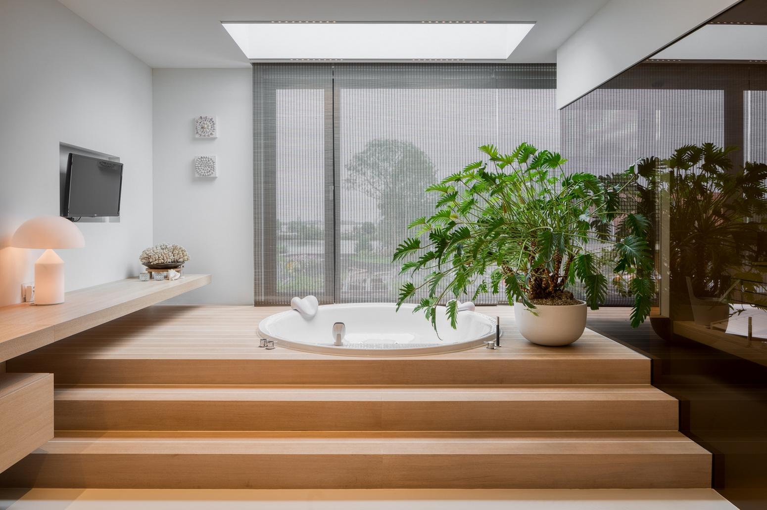 Maatwerk sauna in een badkamer