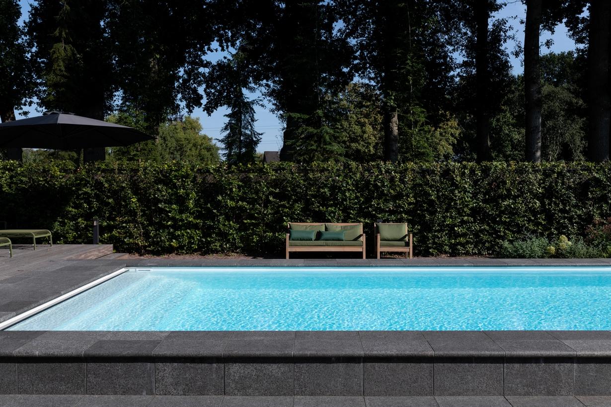12 meter lang zwembad met jetstream