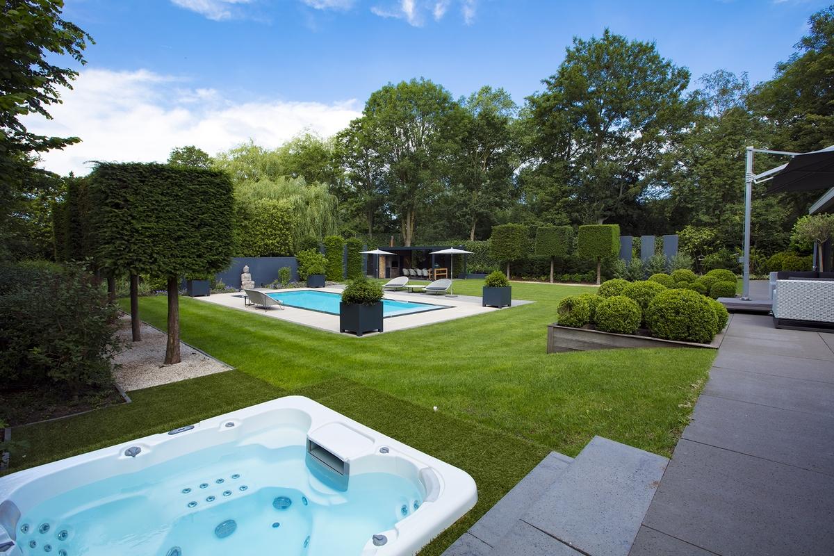 Starline overloopzwembad met spa in de tuin