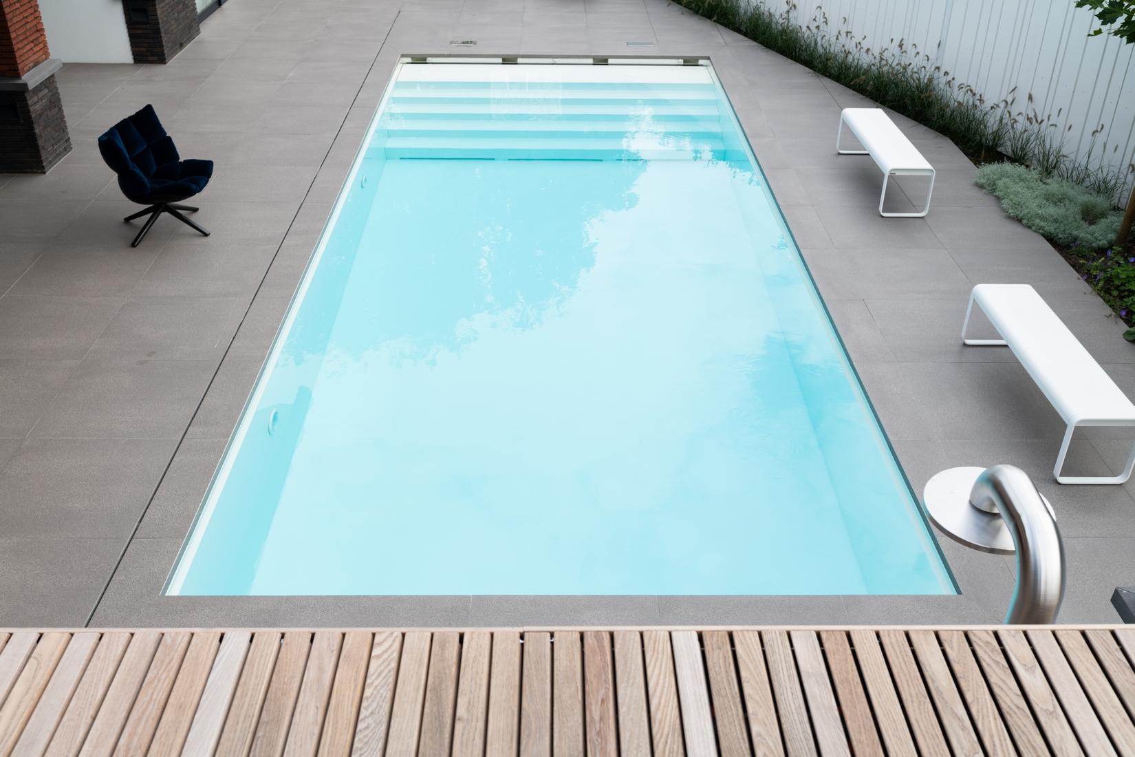 Starline zwembad met JEE-O douche en inlooptrap